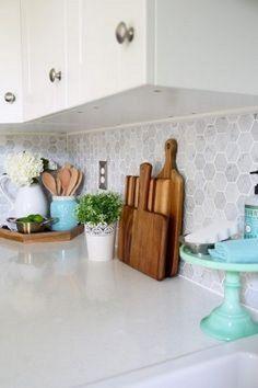 22 New Ideas For Kitchen Backsplash Hexagon Green Accents White Kitchen Cupboards, Kitchen Cupboard Designs, White Kitchen Backsplash, Kitchen Shelves, Kitchen Decor, Kitchen Design, Hexagon Backsplash, Kitchen Ideas, Backsplash Design