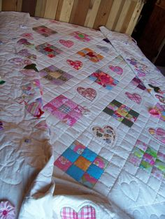 Queen size Bed Quilt, Hand Quilted, Hand Applique