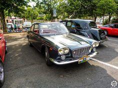 #Lancia #Flavia à la Promenade des Coteaux Sézannais. Reportage : http://newsdanciennes.com/2015/07/05/grand-format-sezanne-retromobile-et-promenade-des-coteaux-sezannais/ #Vintage #Car #Carpics #Voitures