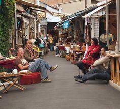 The Paris flea markets at Clignancourt are the largest Paris market and one ...girlsguidetoparis.com