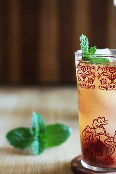 Cocktail Friday: Meyer Lemonade + Vodka & Roasted Strawberries // Set the Table