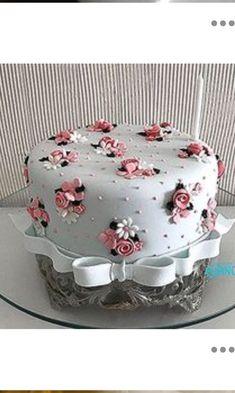 elmo birthday cake - Deko-Torten etc. Cake Decorating Designs, Creative Cake Decorating, Birthday Cake Decorating, Creative Cakes, Birthday Cake Designs, Elmo Birthday Cake, Novelty Birthday Cakes, 80th Birthday, Happy Birthday