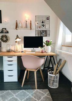 Cute Desk Decor Ideas for your dorm or office! Cute Desk Decor Ideas for your dorm or office! Home Office Desks, Office Decor, Office Ideas, Cute Office, Cute Desk Decor, Ideas Dormitorios, Desk Inspiration, Desk Storage, Desk Organization