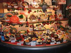 Japan will never run out of products to amaze us! These mouth watering food replicas or sampuru are usually displayed in every restaurants windows throughout Japan to let the visitors know what dishes is served. Want to know how these are made? Attend the workshop in  Gujo Hachiman, Gifu Prefecture, the center of food replica.