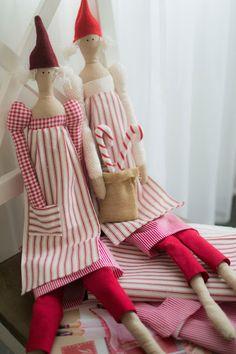 Tilda dolls from Julstämning hos Tilda Dolls, Sewing, Fashion, Dress, Baby Dolls, Moda, Dressmaking, Fashion Styles, Puppet