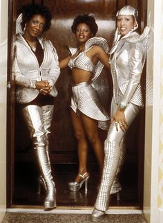LaBelle- 76. Futuristic / intergalactic soul singers. Thigh high platform boots - awesome.
