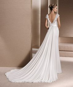 Pronovias La Sposa on Knutsford Wedding Gallery 2016 Wedding Dresses, Designer Wedding Dresses, Wedding Gowns, Dresses 2016, Happy Brautmoden, Simple Dresses, Formal Dresses, Mother Of The Bride Gown, House Dress