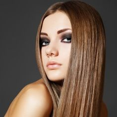 Luminous Hair with Golden Brown Hair Color Among the hair color trends, especially brown shades and shining hair are on the rise. Your hair will look both natural with shades of brown and shin. Cabello Color Chocolate, Chocolate Brown Hair Color, Brown Hair Colors, Hair Colour, Straight Hairstyles, Cool Hairstyles, Drawing Hairstyles, Female Hairstyles, Bohemian Hairstyles