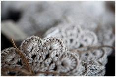 vintagerosegarden:    crushculdesac: stitchesandpurls: (via occasionalcrafter: Michelle Dupont)