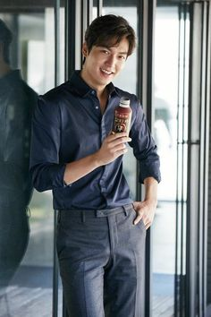 Lee Min Ho chosen as model for 'Coca-Cola' coffee brand http://www.allkpop.com/article/2016/09/lee-min-ho-chosen-as-model-for-coca-cola-coffee-brand #leeminho