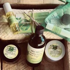 Contains everything for a goddess  all jars are eco friendly and refillable   -50 gram puku Pani goddess balm  -100 gram Miri Miri me harakeke massage oil - kawakawa and Manuka Balm  -10 gram relax your roro headache/migraine stick  -lip kit containing two lip balms that have multiple uses!!! 5 gram Kawakawa waha stick and 5gram  Kanuka Kreme pottle  Please note  This kit comes in an funky eco friendly paper bag  As the Miri Miri oil is too big for our Kete  (Kete for photo purposes only) Eco Friendly Paper, Lip Balms, Lip Kit, Massage Oil, Migraine, Whiskey Bottle, Jars, The Balm, Relax