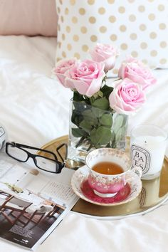 Good morning it's coffee time ~. Dresser La Table, Pyjamas Party, How To Have A Good Morning, Chocolate Caliente, Hot Chocolate, Good Morning Sunshine, Sunday Morning, Lazy Sunday, Lazy Days
