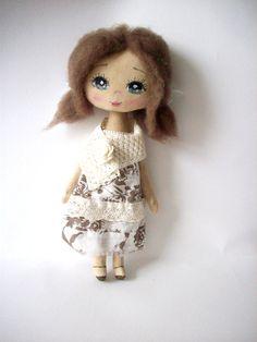 muñeca de trapo muñeca de trapo regalo para chica por MyDollyishere, $42.00