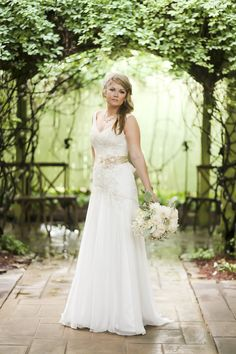 Wedding at Twigs Tempietto in Greenville, SC   Photography: Ginia Worrell