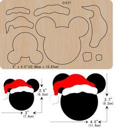 Disney Christmas Crafts, Disney Christmas Decorations, Mickey Christmas, Christmas Ornament Crafts, Christmas Templates, Disney Crafts, Felt Ornaments, Christmas Diy, Deco Noel Disney