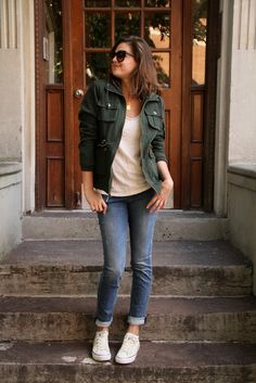 cargo jacket with a tee and sneakers - i might change the jeans to wide leg