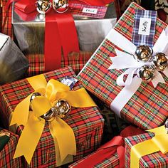 Southern Living I'm dreaming of a tartan Christmas. Tartan packages tied up with bows.... Southern Living Tartan treetop embellished with ...