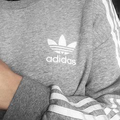 ▪️Adidas grey jumper with white stripes▪️