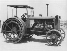 Vintage Tractors, Heavy Equipment, Crane, Farming, Trucks, Tools, Unique, Antique Tractors, Tractors