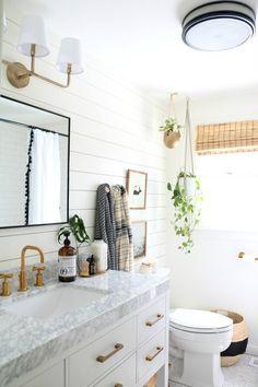 Amazing DIY Bathroom Ideas, Bathroom Decor, Bathroom Remodel and Bathroom Projects to greatly help inspire your master bathroom dreams and goals. Bad Inspiration, Bathroom Inspiration, Bathroom Styling, Bathroom Interior Design, Cottage Bathroom Design Ideas, Bathroom Designs, Bad Styling, Upstairs Bathrooms, Master Bathrooms