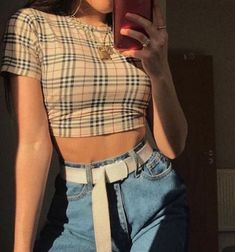 outfits for school ; outfits with leggings ; outfits with air force ones ; outfits with sweatpants ; outfits with black jeans Retro Outfits, Grunge Style Outfits, Cute Casual Outfits, Mode Outfits, Cute Vintage Outfits, Women's 90s Style, Cool Girl Outfits, Black Outfits, Hipster Outfits