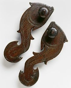 Paduka Fish Shape via Bata Shoe Museum. yes, they are shoes. Platform Wedges Shoes, Wedge Shoes, Bata Shoes, Vintage India, Carving Designs, Fish Shapes, Bengal, Traditional Dresses, Lotus