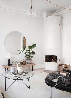 Cozy white home Berlin Apartment, Scandinavian Bedroom, White Houses, White Bedroom, Humble Abode, Living Room Designs, Home Accessories, Sweet Home, House Design