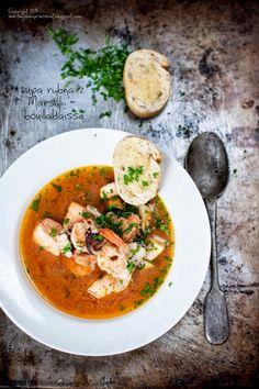 Kulinarne                                                                               podróże: Bouillabaisse. Francuska zupa rybna.