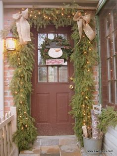 Saving 4 Six: My Christmas Porch 2012 Burlap Christmas Decorations, Christmas Swags, Primitive Christmas, Country Christmas, Thanksgiving Decorations, Simple Christmas, Winter Christmas, Christmas Crafts, Primitive Decor