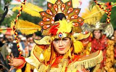 Jember Fashion Carnaval: Exemplary Contribution by Entire Community