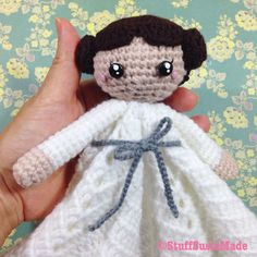Leia doudou couverture peluche plate patron gratuit crochet français (starwars lovey free french pattern)