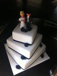 Staggered Wedding Cake  tiersoflove.com