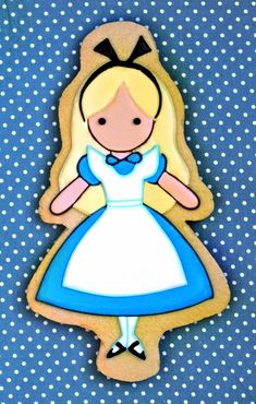 perfect Alice in Wonderland cookie....now to figure out how to do the rest of the characters to match!