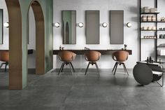 Porcelain stoneware interprets metallic materials from various origins with a brand new styling effect. The result is a modern range of porcelain stoneware for both flooring and wall cladding.