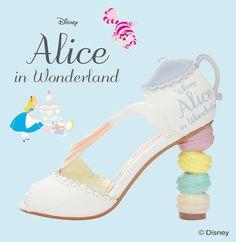 14001bc2ec Vintage Disney Fan  These Randa Alice in Wonderland Disney shoes are u.