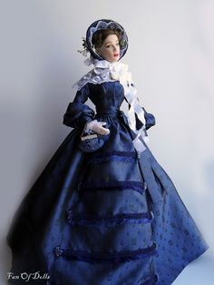 Barbie Gowns, Doll Clothes Barbie, Dress Up Dolls, Barbie Doll, Dolls House Figures, Fashion Dolls, Fashion Outfits, 1850s Fashion, Glamour Dolls
