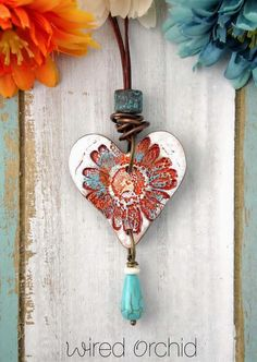 If you've ever considered making your own jewelry, you can learn all you can on this beautiful art by buying jewelry making books. Metal Clay Jewelry, Ceramic Jewelry, Ceramic Beads, Glass Jewelry, Silver Jewellery, Ceramic Pendant, Polymer Clay Pendant, Polymer Clay Jewelry, Polymer Clay Kunst