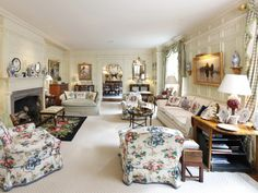 Old School Park Avenue Elegance - The Glam Pad English Country Style, Country Style Homes, French Country, Park Avenue Apartment, Bedroom With Bath, Manhattan Apartment, Classic Interior, Traditional Decor, Country Decor