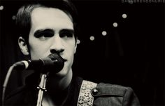 brendon urie gif | Afternoon eye candy: Brendon Urie (32 photos) » 03