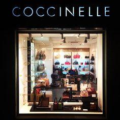Coccinelle на ул. Бассейной, 5а (Киев) - один из магазинов нашей сети. www.iLAKMUS.com.ua