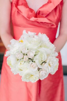 coral dress + white bridesmaid bouquet