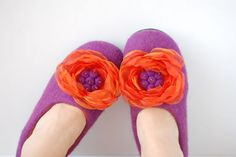 CUSTOM MADE felted slippers/ home shoes with organza flower DIANA in purple&orange or any other color