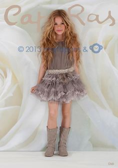 Glamorous Look Dresses for Girl Birthday Party – Designers Outfits Collection Little Girl Outfits, Little Girl Fashion, Cute Dresses, Girls Dresses, Flower Girl Dresses, Vestidos Country, Little Fashionista, Tween Fashion, Stylish Kids