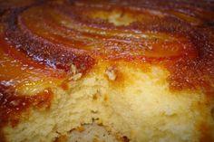 Bolo de banana caramelizado Easy Smoothie Recipes, Easy Smoothies, Good Healthy Recipes, Sweet Recipes, Snack Recipes, Cooking Recipes, Cake Recipes, Bolo D Banana, Portuguese Recipes