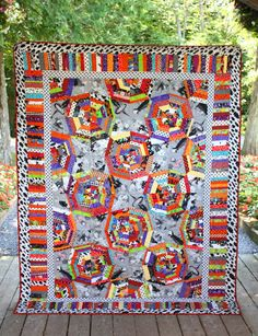 Halloween Spiderweb Quilt Completed by Riel Nason: The Q and the U