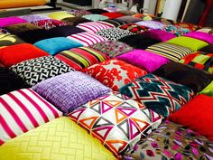 in un mondo a colori . I love Patchwork...  www.blancotappezzeria.it