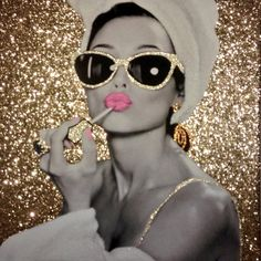 Some of our fully glittered background canvases MarilynMonroe AudreyHepburn Glitter BubbleGum Babe Beauts Makeup Wallpapers, Cute Wallpapers, Marilyn Monroe Artwork, Marilyn Monroe Decor, Afrique Art, Chanel Art, Glitter Photo, Fashion Wall Art, Vogue Covers