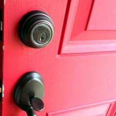 """""""The Kevo by Kwikset is harnessing the power of Bluetooth, and using UniKey's ingenious technology to make the deadbolt smarter."""" - Ian Fuchs, MacTrast"""