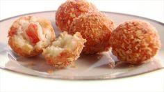 Might be labor intensive, bur still sound great! Lobster Risotto Arancini recipe from Giada De Laurentiis via Food Network Giada De Laurentiis, Couscous, Quinoa, Food Network Recipes, Cooking Recipes, Giada Recipes, Free Recipes, Lobster Risotto, Rice Balls