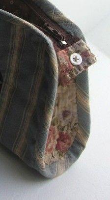 Élisabeth des teintes printanières, un petit fleuri japonais inspirée de nos anciennes trousses d'école lignes sobres, format adapté à l'acheminement hors atelier du matériel essentiel …